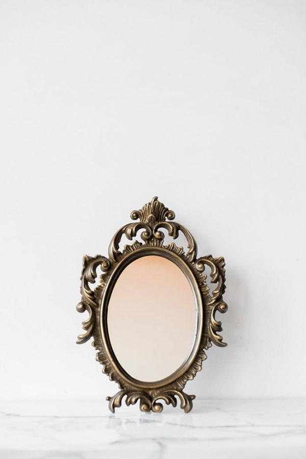 Настольное зеркало в бронзовой раме