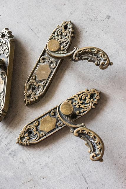 Дверные ручки из бронзы