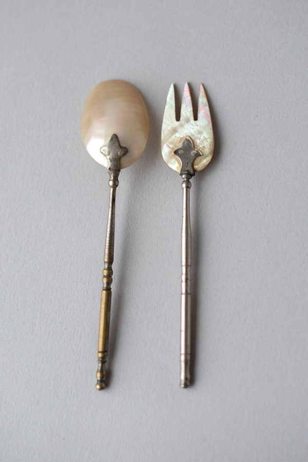 Комплект из вилки и ложки с перламутром