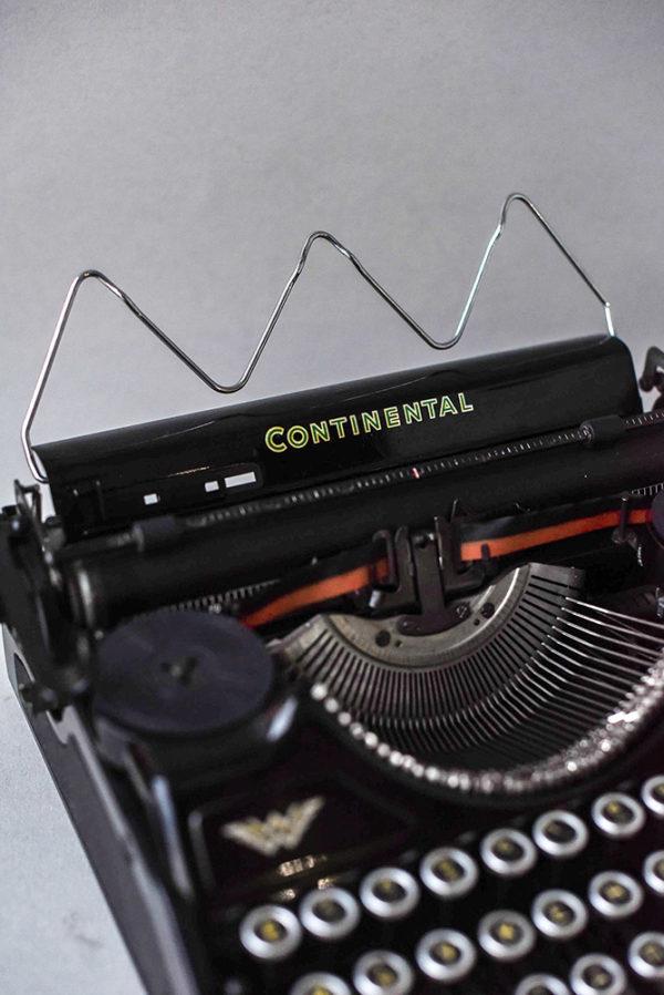 Портативная печатная машинка Continental