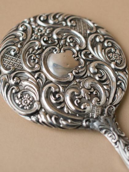 Будуарное зеркало из серебра