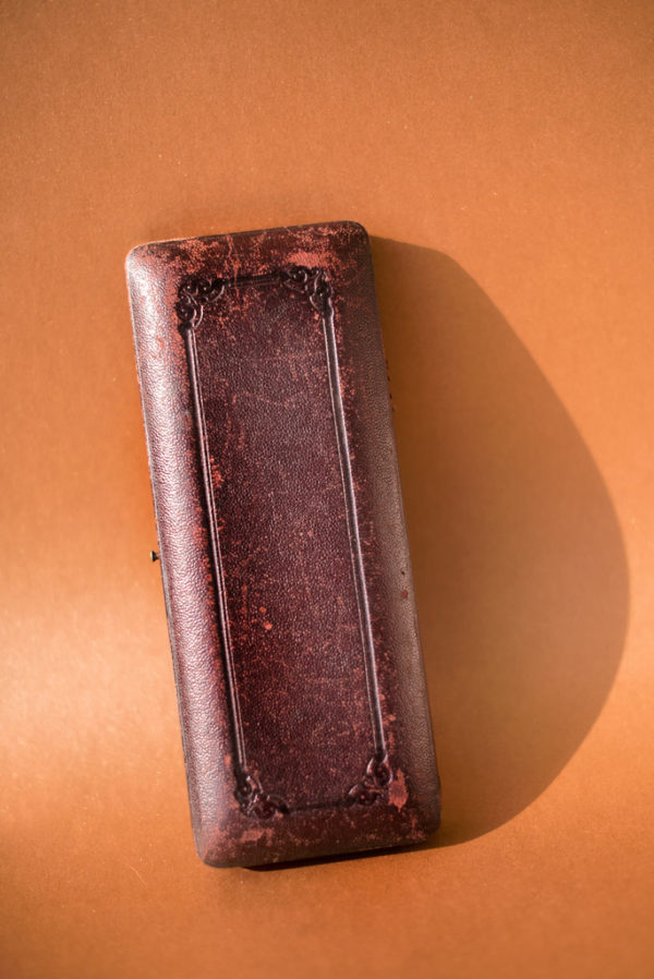 "Набор ""эгоист"" с перламутром, в футляре, XIX век Англия"