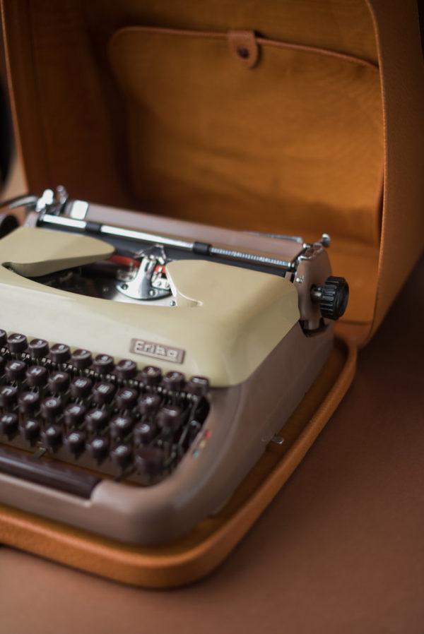 Портативная печатная машинка Erika М10