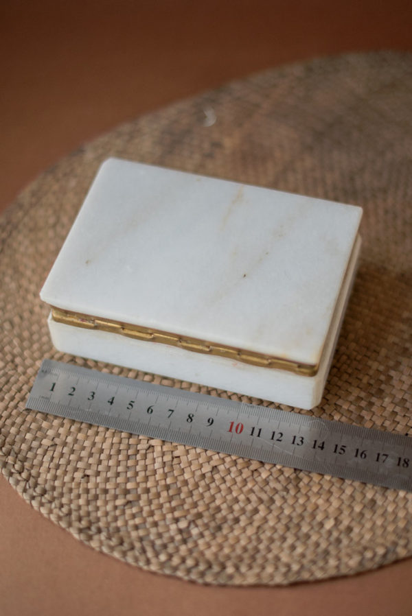 Шкатулка из мрамора для украшений