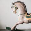 Старинная лошадка-качалка из дерева