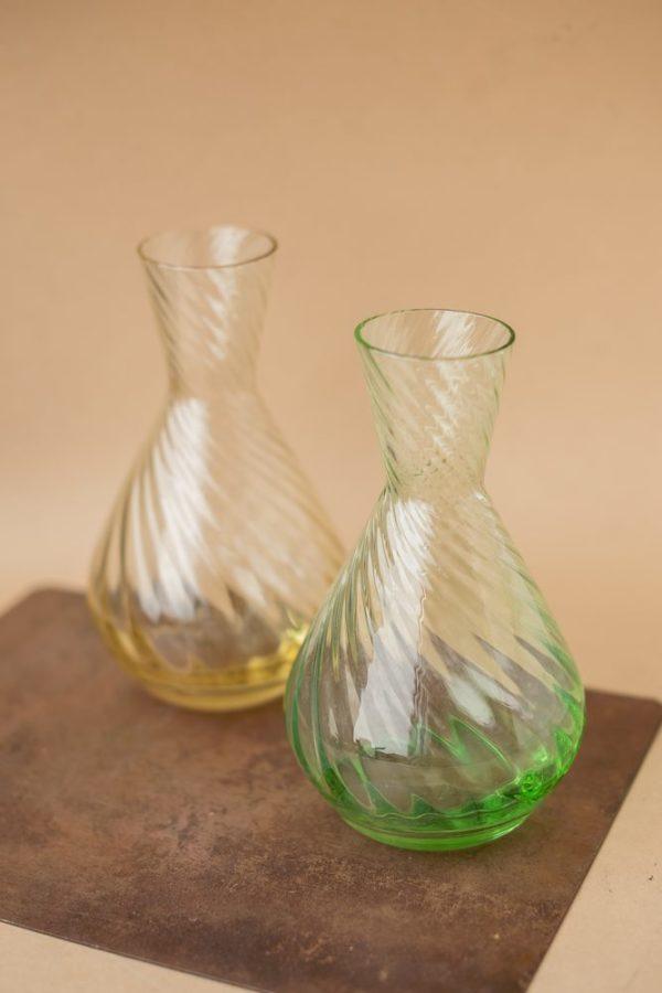 Хрустальная ваза из цветного стекла