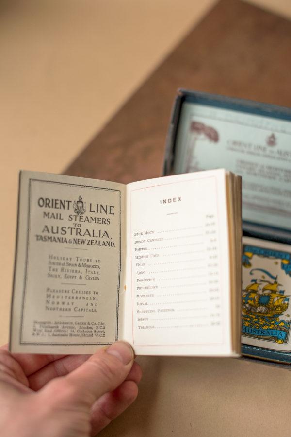 Коллекционные карты в футляре