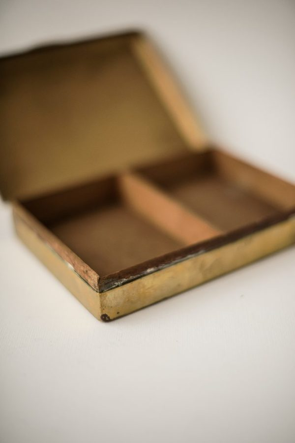 Латунная шкатулка для сигарет