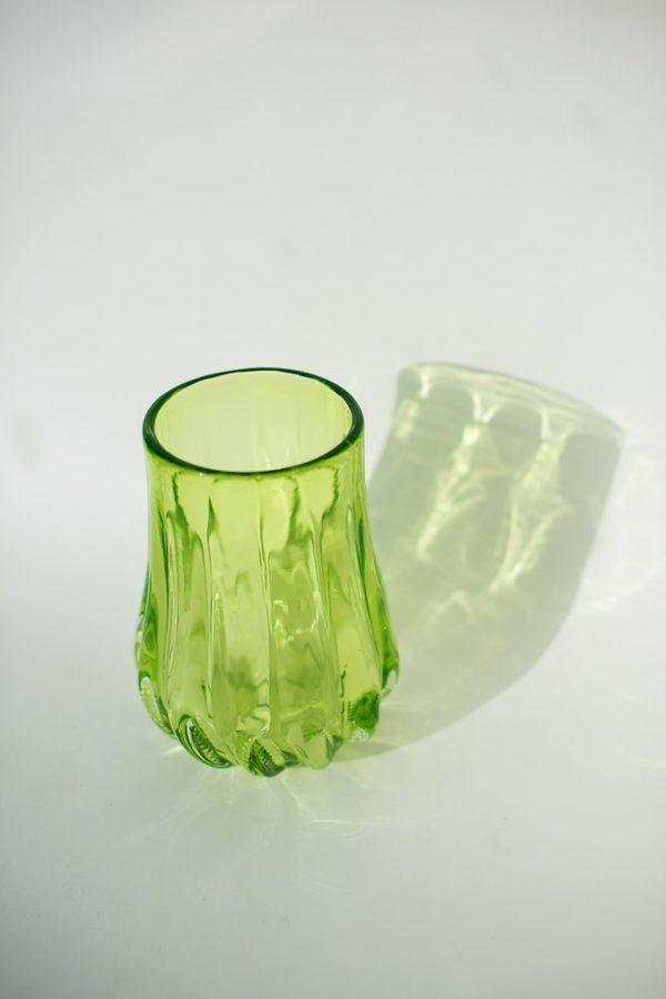 Хрустальная ваза из обедненного уранового стекла